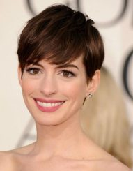 Anne-hathaway-chanel-face
